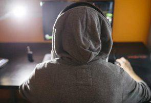 رهبر ۱۳ ساله یک گروه تروریستی نئونازی به خاطر سن کم زندانی نمیشود