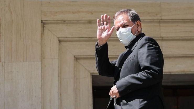 سکوت معاون اول رئیس جمهور به سوال افزایش دستوری بورس در فردای جلسه او با حقوقی ها